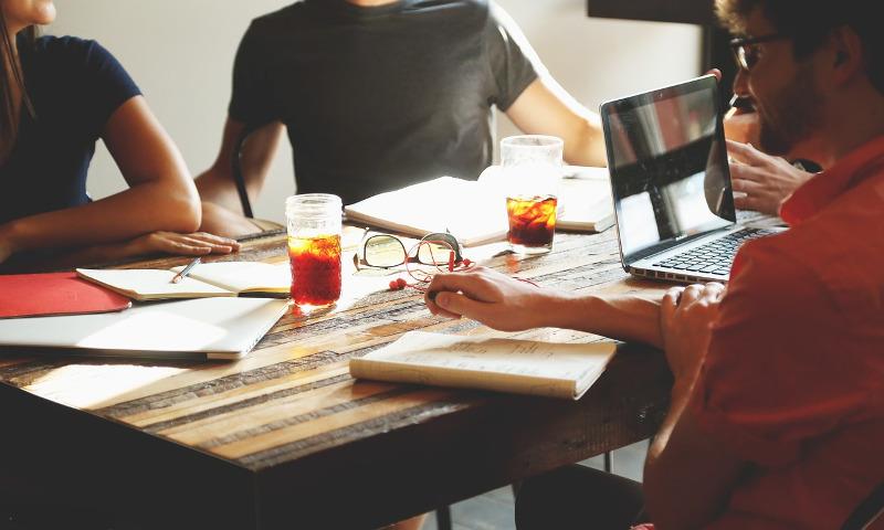 コーチングを使ったマネジメントで組織の生産性を上げる!導入ポイント