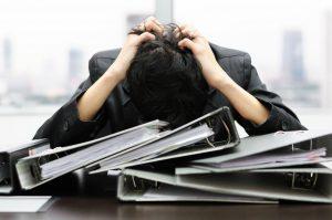 仕事が辛い時の乗り越え方12選!仕事が辛い原因と注意点